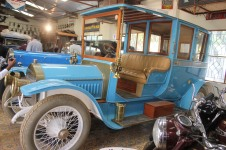 A 1909 Wolseley Siddeley car