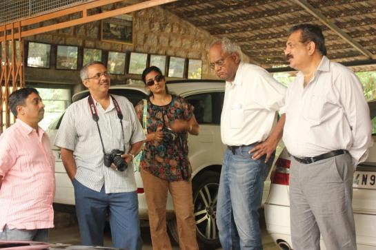 Dr Ravi Prakash (extreme right) speaks to enthusiastic walkers