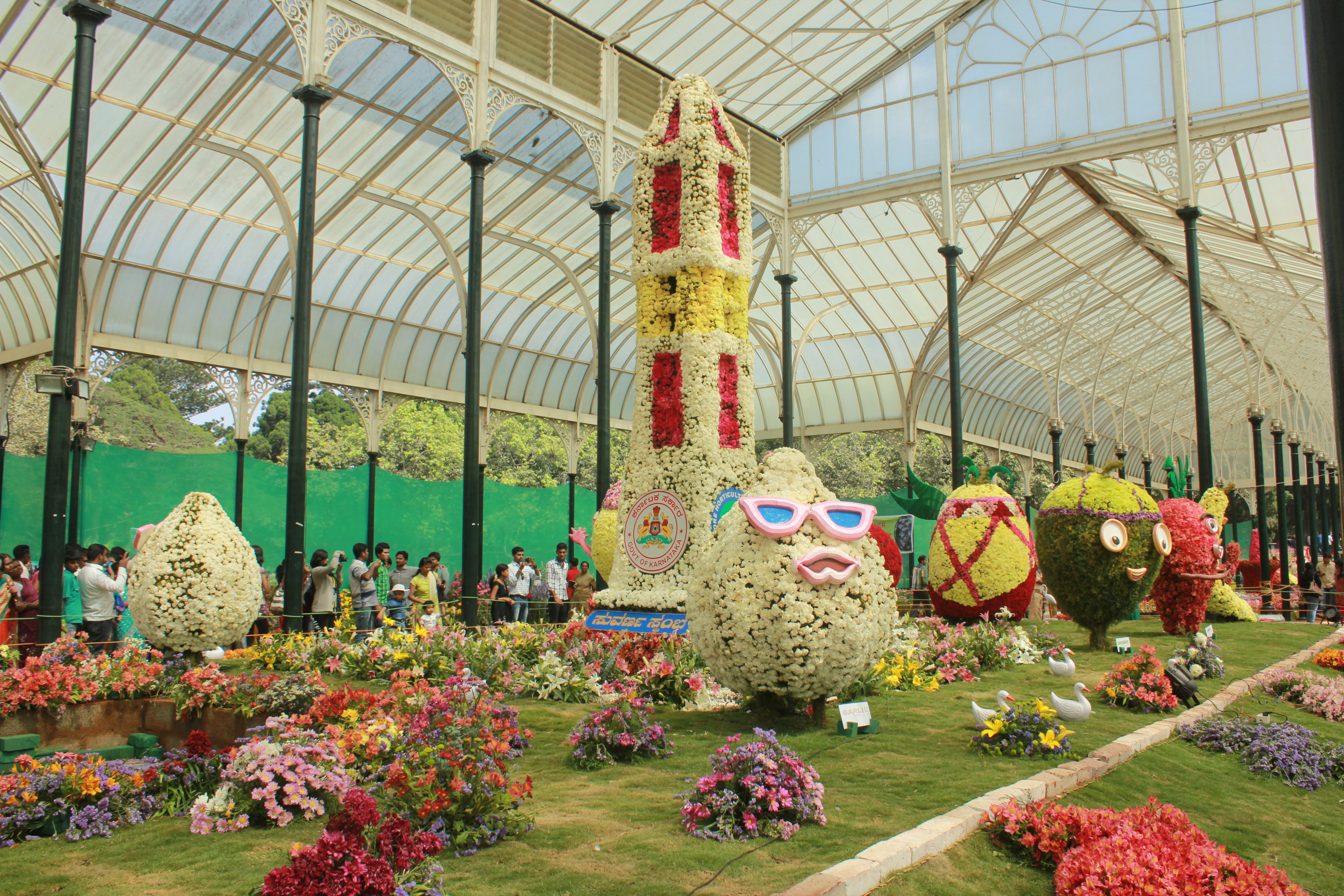 14ab8710fdb8 Cute floral replicas of veggies and fruits greet visitors to the Republic  Day Flower Show at the Glass House in Lal Bagh. They are a hit with  children!
