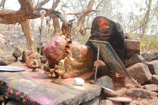 The village deity of Aretippur.