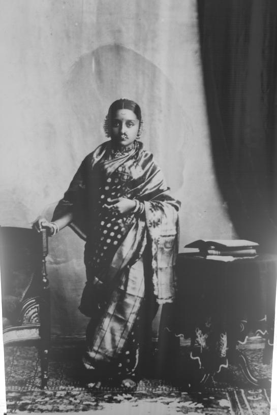A Marathi lady [Picture courtesy: hoarding at NGMA]