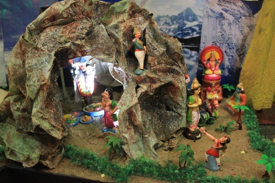 Lakshmana kills Indrajit at the Nikumbala Caves.